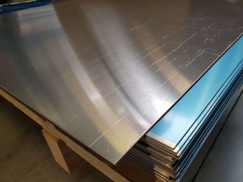 Alum plaat 2  mm 1000x2000 almg3 + folie